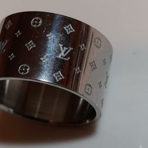 Jewelry - Fashion Designer Titanium ring.